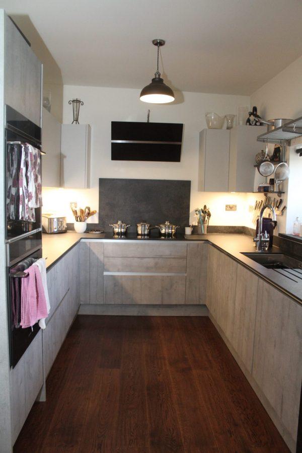 vintage engineered oak in the kitchen