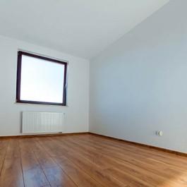 15 x 189 Lacquered Engineered Oak Flooring