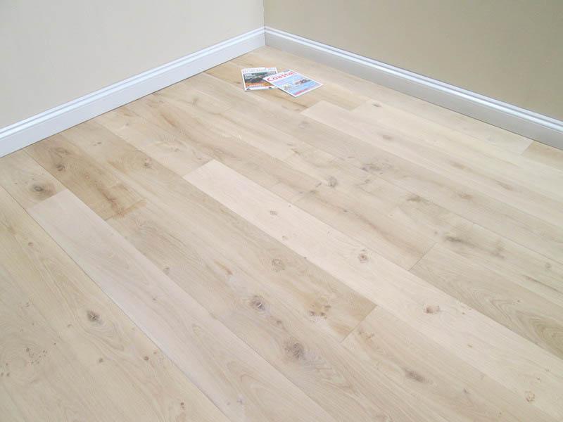 Unfinished square edge mixed grade oak flooring for Unfinished oak flooring