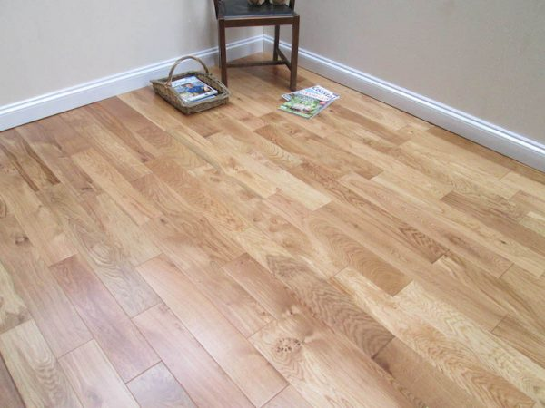 Lacquered Natural Solid Oak Flooring