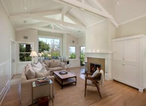 Brushed & Natural Oiled Oak Flooring for Your Living Room